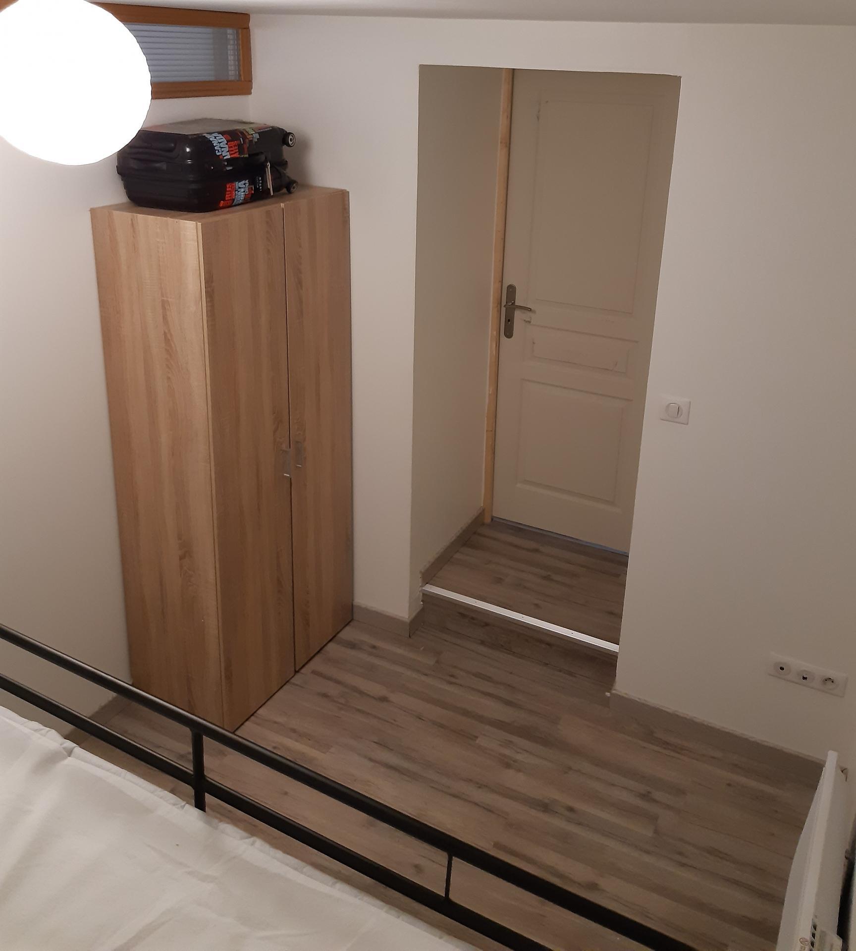 chambre 2 armoire